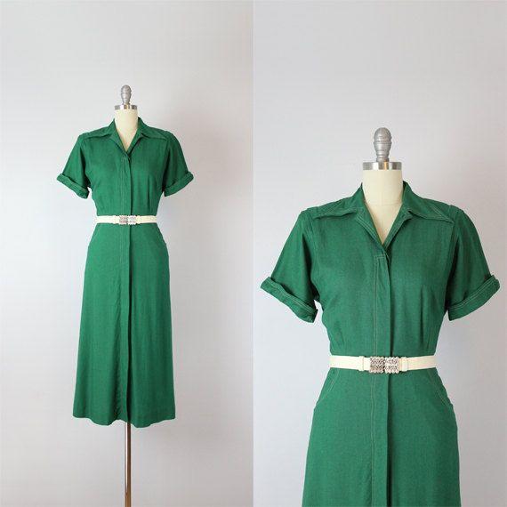 robe Vintage 40 s / journée verte des années 1940 touche vers le bas de la robe chemise / robe / robe de robe / pleine récolte ère WWII