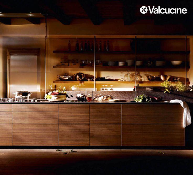 Net ve yalın çizgilere sahip, işlevsel mutfaklar.