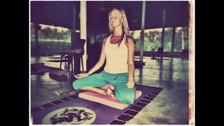 Guided dansk mindfulness meditation indtalt af Psykolog Ditte Sønderskov - find ro i sindet på under 7 minutter.