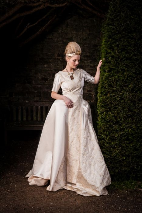 Hair: Christopher Murphy - http://www.mcqueenshairbristol.co.uk The Queen: Kelly Rogers Photography: Stefanie Calleja – Gera http://www.photographybystefanie.co.uk Venue: Thornbury Castle http://www.thornburycastle.co.uk Contact: Laura Dudley MUA: Ann-May Jenkins - http://www.metastyling.co.uk Dress: www.alissiacouture.com
