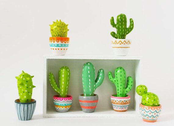 Cactus sculpture - Gift for gardeners under 30 dollars - Hand sculpted miniature…