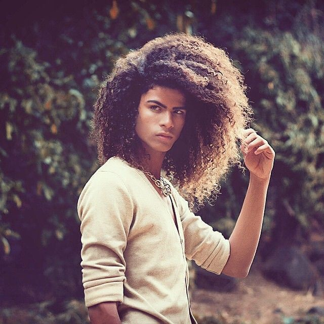 25 Natural Hair Styles for Men | tgin