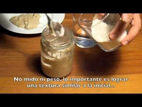 Proceso para elaborar masa madre de centeno con harina y agua. http://tequedasacenar.com/como-hacer-masa-madre-en-video-y-con-preguntas-habituales/