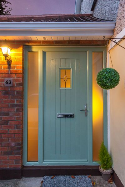 25 best ideas about green front doors on pinterest for Front window ideas