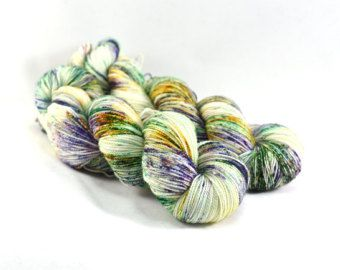 Rustieke schuur  First Class MCN  spikkel garen door DestinationYarn
