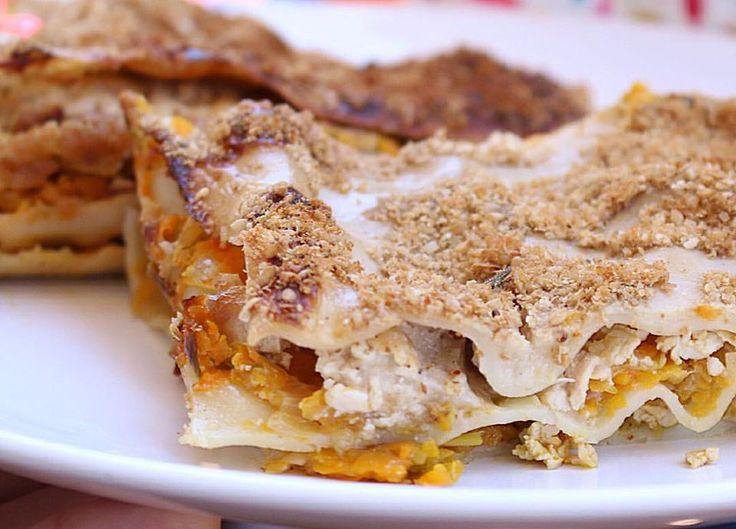 ¿Aún no sabes que cocinar para San Juanes? nosotros haremos esta receta de lasaña de calabaza y tofu, puede que te sirva, es un éxito asegurado lo prometo! La receta ha sido creada por la coach en alimentación energética Gemma Hortet y nosotros la aprendimos a hacer en uno de sus cursos anuales. Feliz solsticio de verano a todos 🙂
