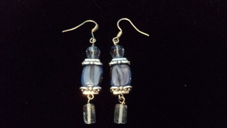 OOAK Blue Glass Earrings: http://www.outbid.com/auctions/15299-flippin-funtastic-friday-southern-xen-designs-and-friends#42