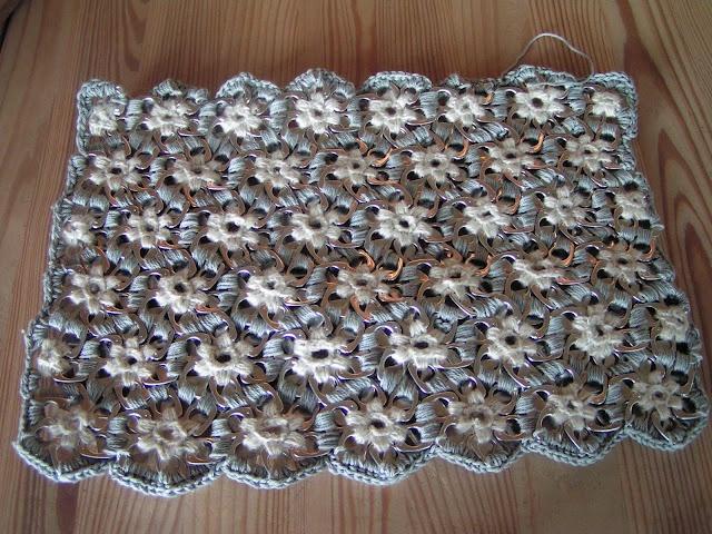 Pop tabs crochet bag