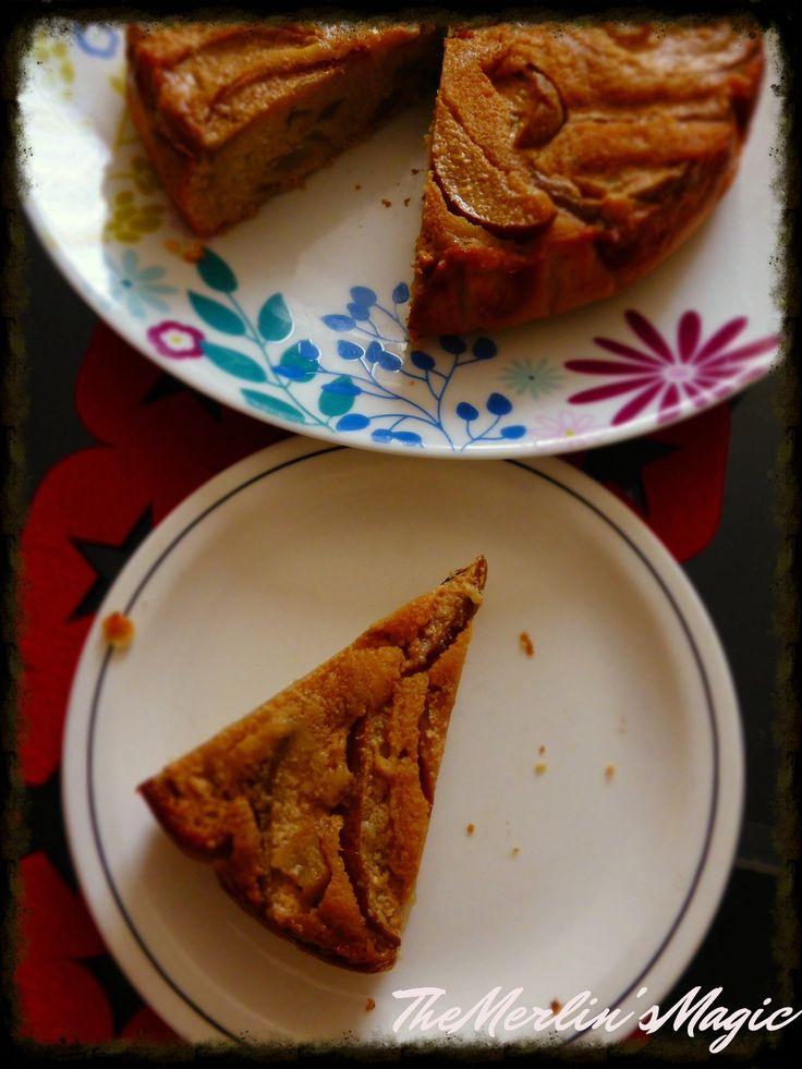 See on väga lihtne, veidi keeksi-laadne kook. Pole väga magus, aga huvitavat nüanssi annab Vana Talinna-kondenspiima-või segus hautatud pirnid.  Kasutasin koogi jaoks: 4 pirni 50 g võid 2 tl …