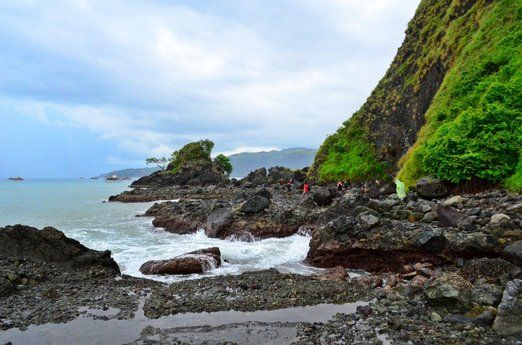 Geologic wonder: Kunti Island is also a geologic wonder, containing formations of pillow lava from an underwater volcani...