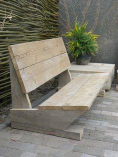 Banc de square fait de palettes & de planches de coffrage Wood / Pallet, garden bench..