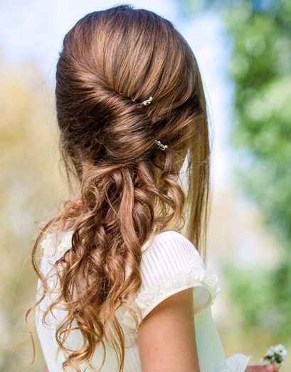 Les cheveux torsadés sur base bouclée