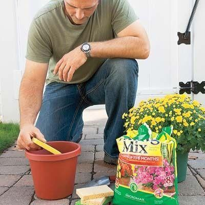 Place a sponge in the bottom of a planter before adding soil, to keep water in reserve. Really makes a difference in window boxes! - http://gardeningtipsnow.com/place-a-sponge-in-the-bottom-of-a-planter-before-adding-soil-to-keep-water-in-reserve-really-makes-a-difference-in-window-boxes/