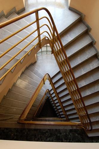 staircase NOVOCOMUN. COMO. G. TERRAGNI by XOSI RA, via Flickr