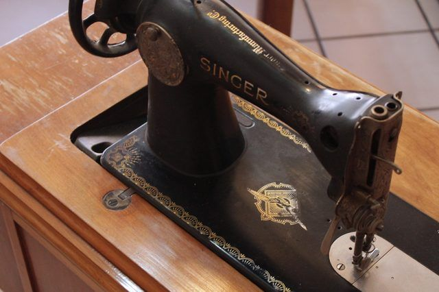 How to Restore Antique Singer Treadle Sewing Machines.  I have one of these, so I'm saving this pin just in case!
