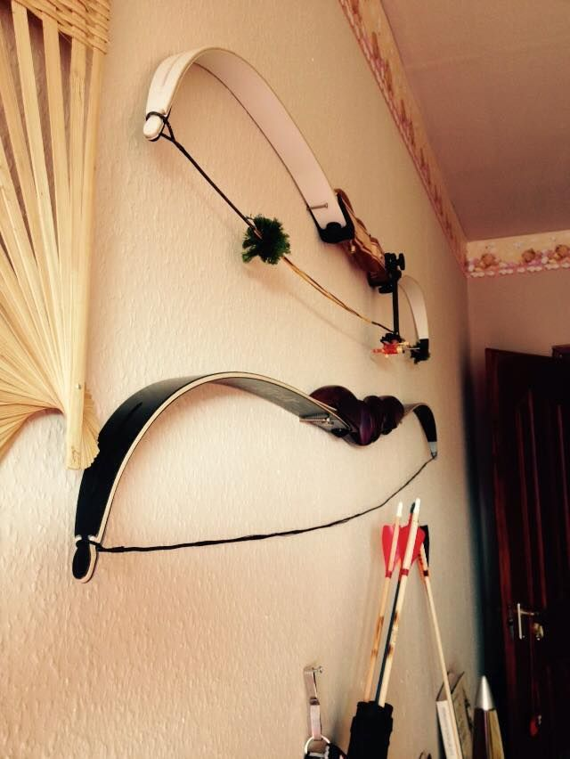 """Big Archery recurvebow (58"""" 26#) and Ragim Black Buffalo(62"""" 32#)"""