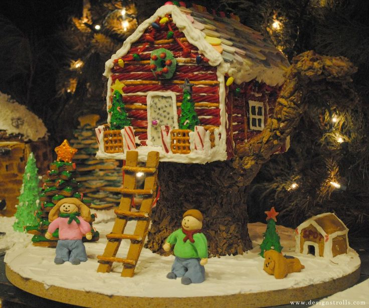 Beach Themed Gingerbread House: Gingerbread Treehouse