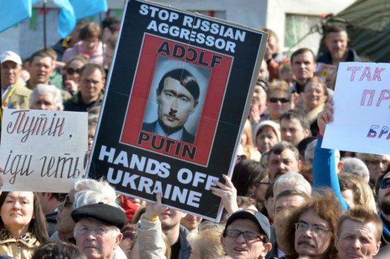 Revuelo Por Declaraciones Del Príncipe Carlos Comparando A Putin Con Hitler