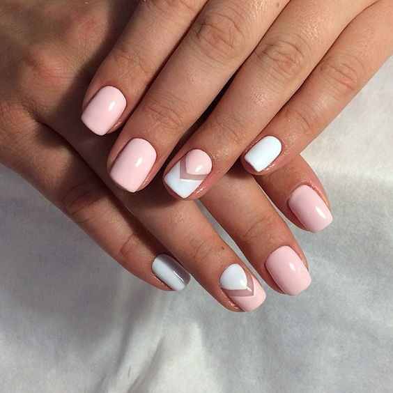 Dale un toque diferente a es mani perfecto.  #Mani #Nails #Rosa