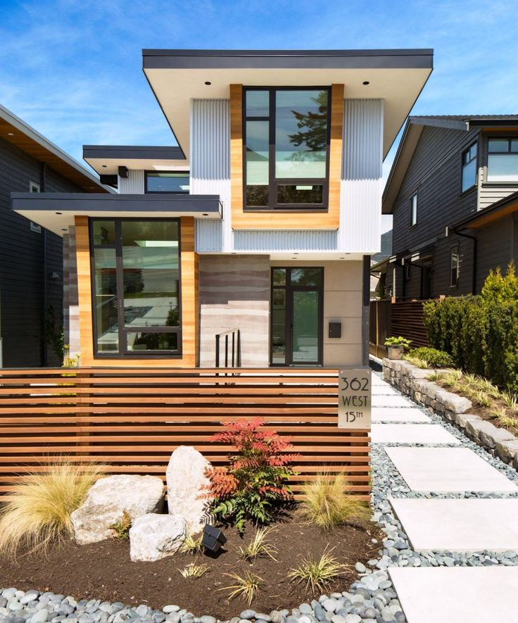 Eco Friendly Home In Canada With Beautiful