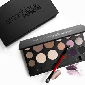 Sephora Glossy - SHAPE UP - Everything you need to contour face, brows, and eyes in one sleek palette.