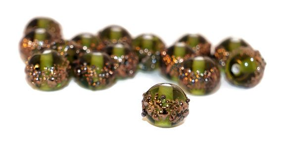 Green Gold Grace Lampwork Beads Pair Czech by CzechBeadsExclusive, Kč47.66