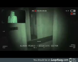 When the horror game is soooo good, you clapped when getting jumpscared