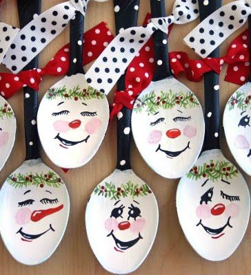 spoon ornaments -- be cute to make in a classroom at Christmas
