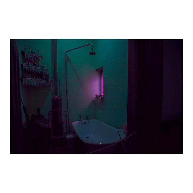 elsableda One of my favorite series, which I shot in Christiaan Barnard's house in Beaufort West in 2015. The surgeon who performed the world's first human heart transplant in 1967. This is his bathroom. https://www.instagram.com/p/BUAHrAejKYi/