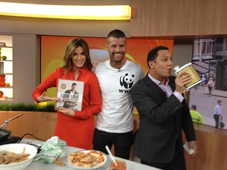 #SustainableSeafoodDay Ambassador @PeteEvansChef @MasterChef_Aust helping promote sustainable seafood on Channel 7's The Morning Show