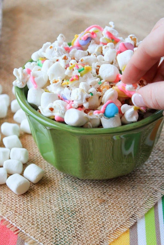 I can guarantee that once you make this Bunny Tails Popcorn mix once, you'll continue to make it again and again. It only takes less than 10 minutes!