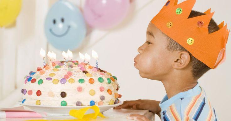 Ideas de fiestas de cumpleaños para un niño de 5 años. En los ojos de un niño, una fiesta de cumpleaños de 5 años es un gran evento, clasificándose tan alto como Navidad. Para estar a la altura de las expectativas de tu hijo, mantenlo simple, divertido y animado.