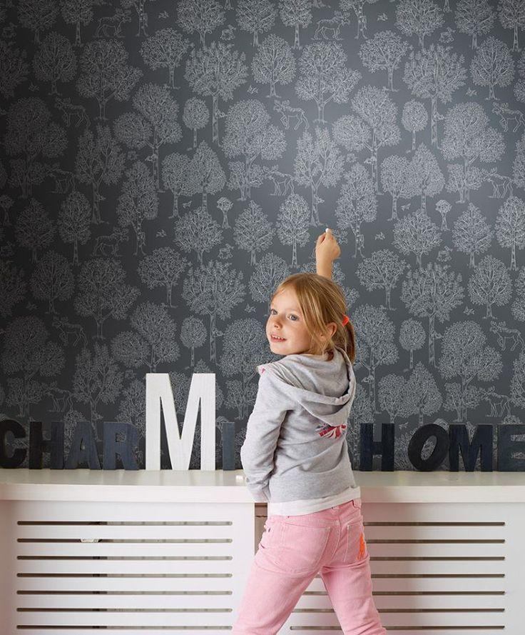 Great design idea! #kidswallpaper #chalkboardpaint