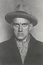 Rodchenko, Alexander: Portrait of Vladimir Mayakovsky in hat and coat