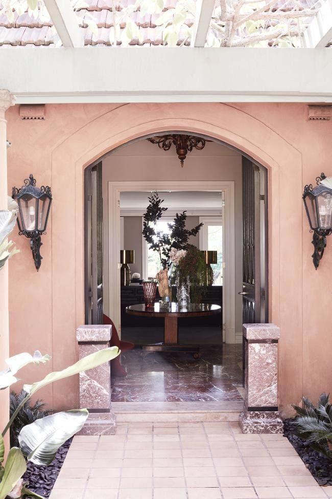House tour: a modern Tuscan-style villa in Sydney\'s eastern suburbs ...