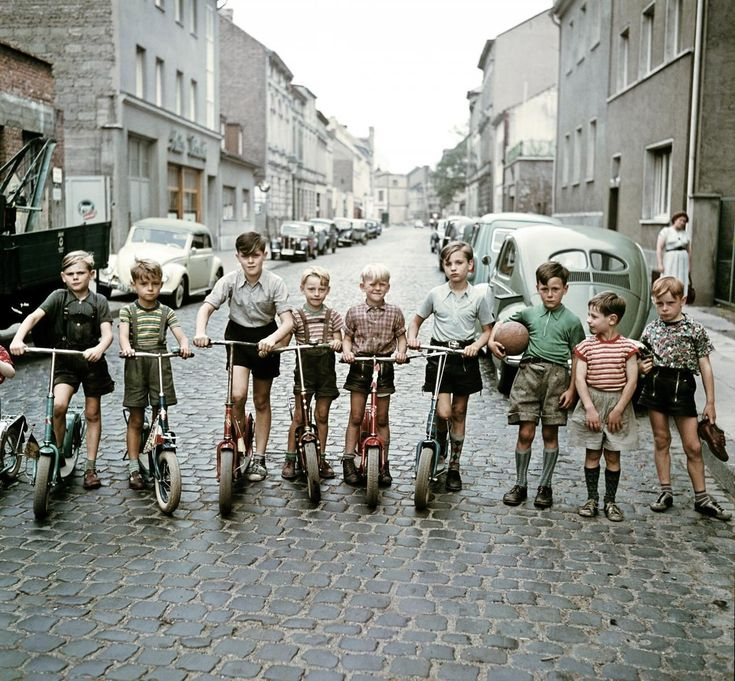 "melisaki: "" Die Roller-Kinder, Bonn photo by Josef Heinrich Darchinger, 1955 """