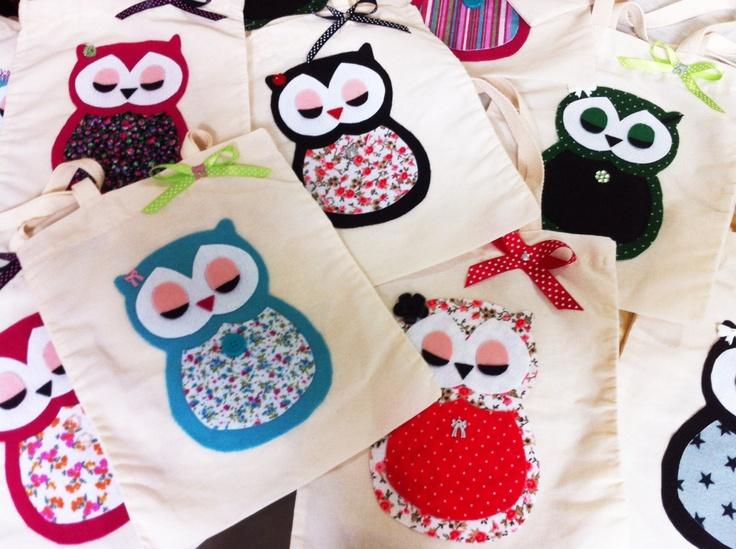 Sacolas de tecido natural com corujas de feltro/owl felt! Aracely Miranda