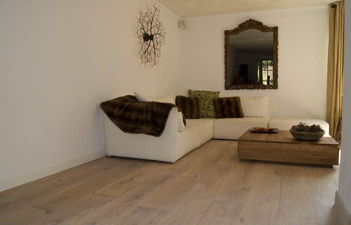 www.AlmaParket.nl vloeren Breda een eiken houten vloer voor een mooi woon interieur.