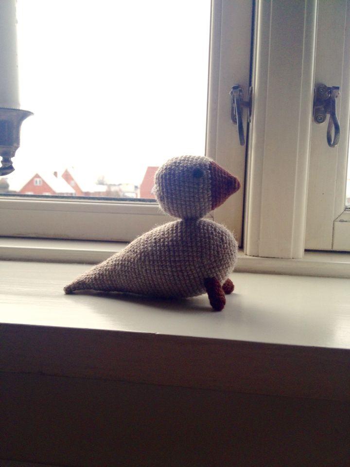 Crocheted songbird