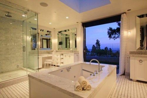 Another exquisite bathtub with a view:) Rub a dub dub baby:): Bathroom Design, Bathtubs, Dreams Bathroom, Beautiful Bathroom, Master Bath, Bathroom Ideas, White Bathroom, Contemporary Bathroom, Design Bathroom