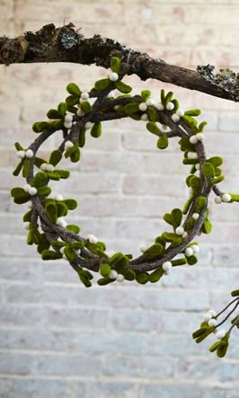 Mistletoe Garland by Plumo: Christmas Time, Omistleto Garlands, Crochet Projects, Mistletoe Garlands, Bend Branches, Mistletoe Wreaths, Felt Wreaths, Xmas Ideas, Christmas Gifts