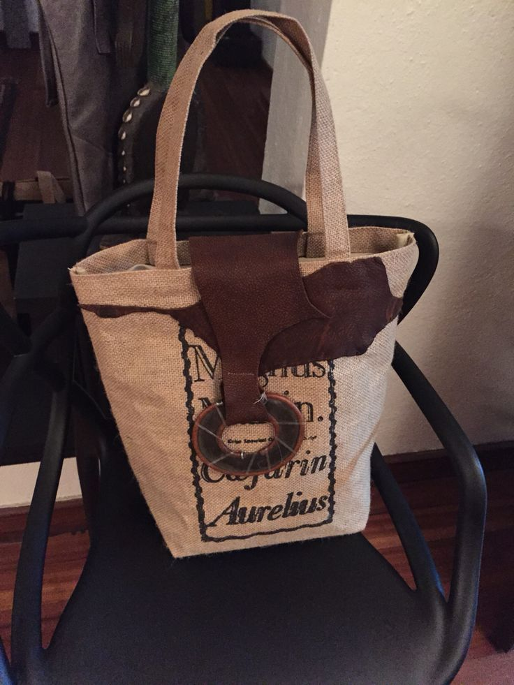 Jute tote bags with Masai knife and leather finishing