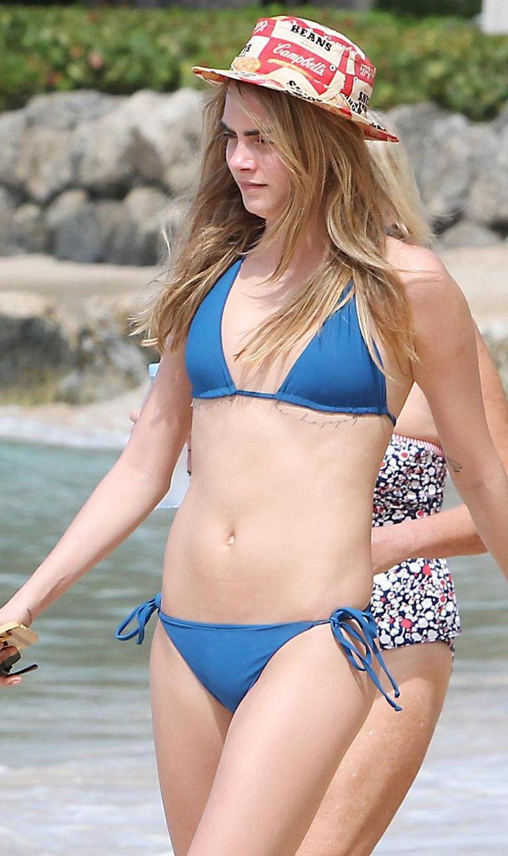 Tabrett Bauchell Bikini cara
