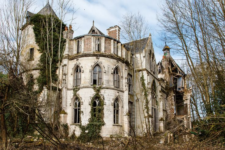 Château Clochard, a beautiful abandoned chateau located in Picardie, France.