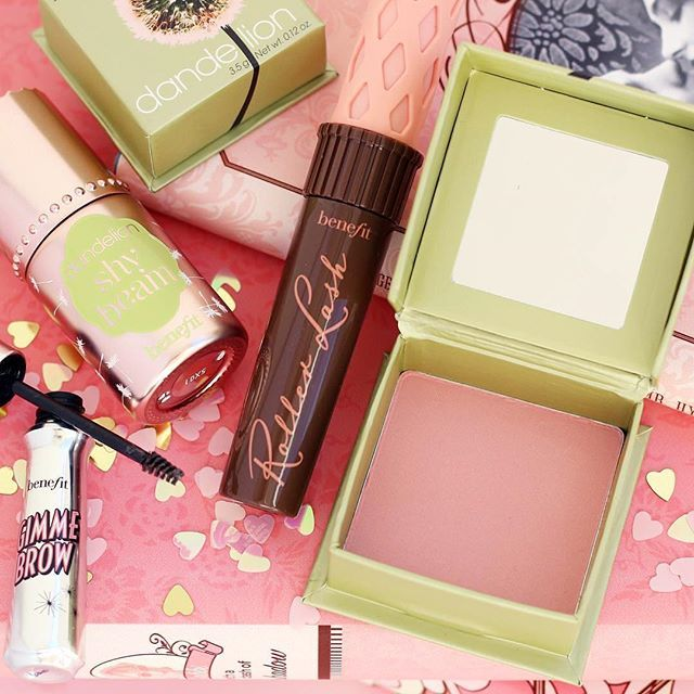 If you love a no makeup, makeup look then this array of beauty is what's needed, right?! #dandelion #cheeks #blusher #gimmebrow #benefitbrows #brows #browsonfleek #rollerlash #brown #mascara #highlighter #highlight #shybeam