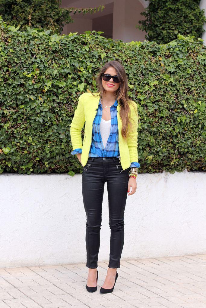 Chaqueta/Jacket – Zara (old)    Jeans – Only via Buylevard    Camisa/Shirt – SheInside    Tacones/Heels – Carolina Herrera    Collar/Necklace – Mi collar con nombre