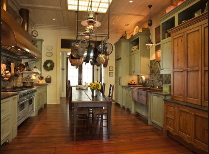 Tour Paula Deen S Savannah River Home Located On Wilmington Island Road
