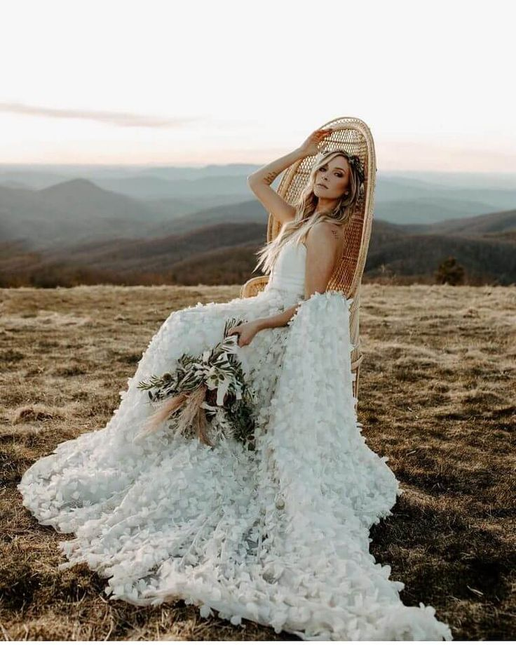 Beautiful and Smart Ideas for Bohemian Wedding Dresses 5