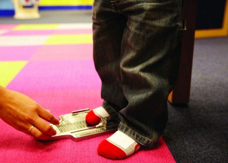 Πώς να διαλέγετε τα σωστά παπούτσια στα παιδιά σας