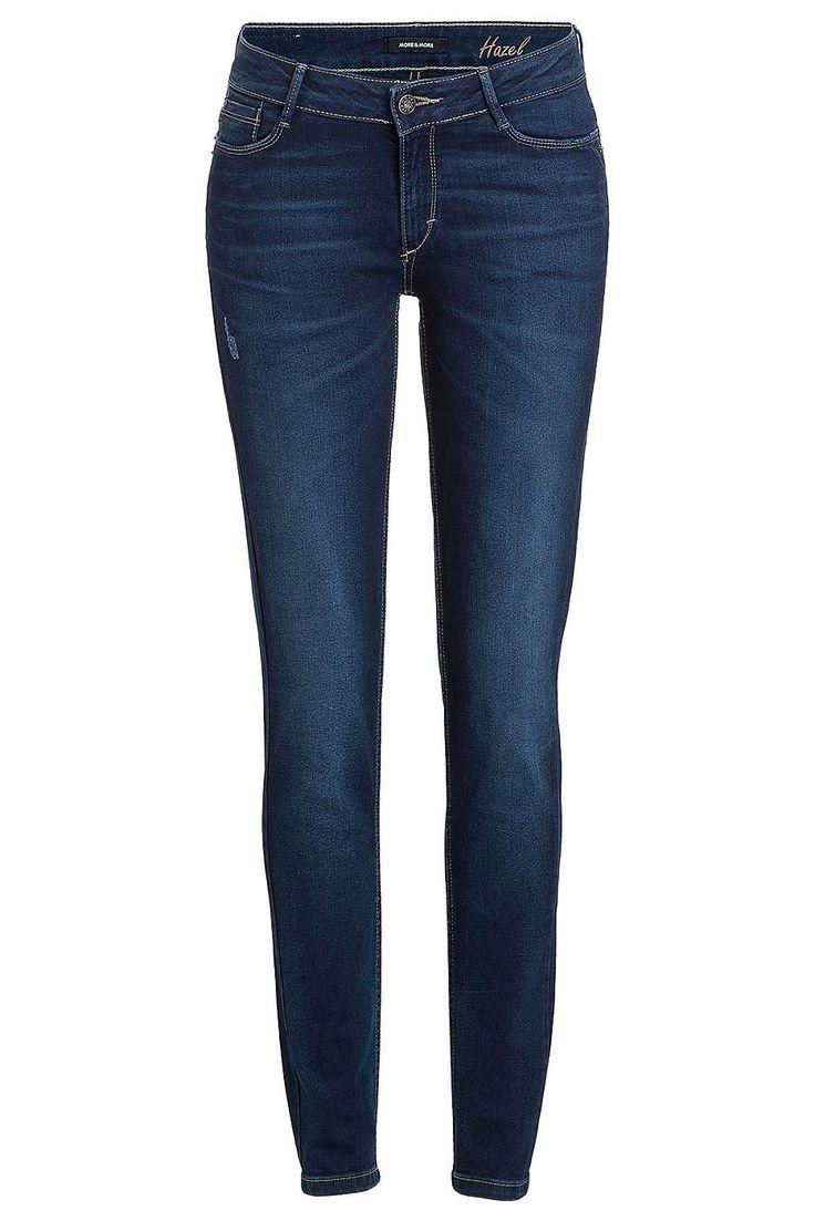 Die leicht verwaschene Jeans von MORE & MORE in denim-blue mit dezenten Destroyed-Effekten und angedeuteten Sitzfalten kann bürotauglich mit Blazer und korrekter Hemdbluse gestylt werden oder lässig mit rockiger Lederjacke und Statemant-Shirt. Material: 84% Baumwolle, 15% Polyester, 1% Elasthan...
